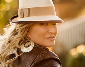 Tanya-Tucker-RS-for-Ent-Page
